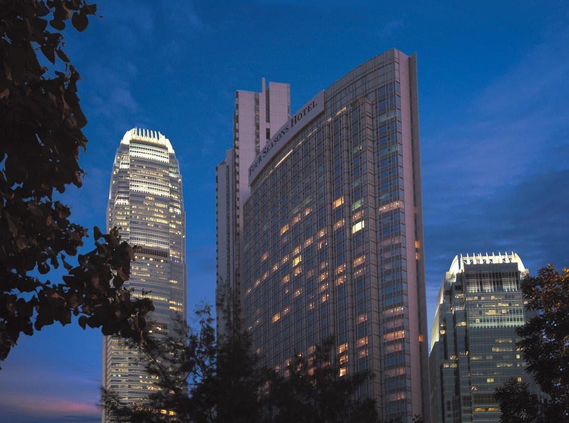 Four Seasons Hotel Hong Kong True 5 Stars